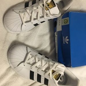 New Adidas youth superstar for sale size 3
